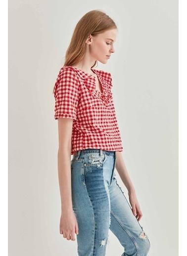 Vitrin VİTRİN Yaka Volan Detaylı Pötikare Bluz Kırmızı